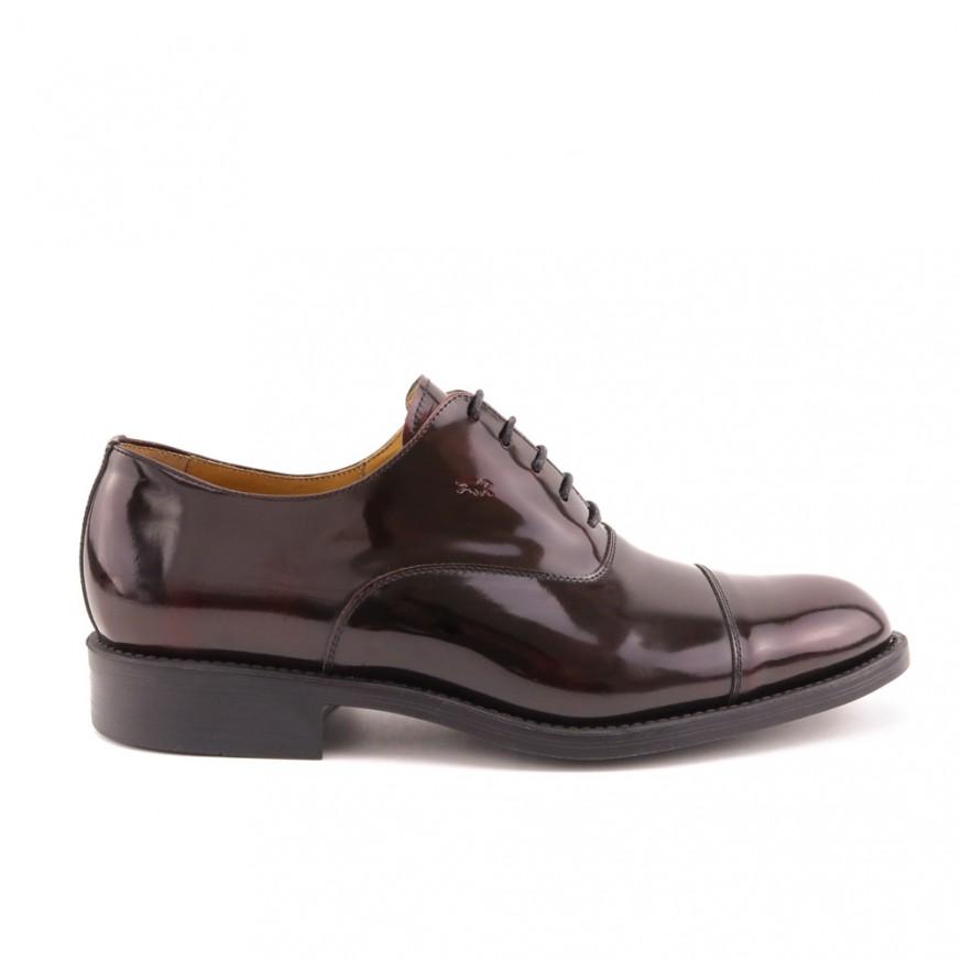 Zapato de vestir burdeos